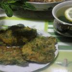 Пышные оладьи на сметане с зеленью
