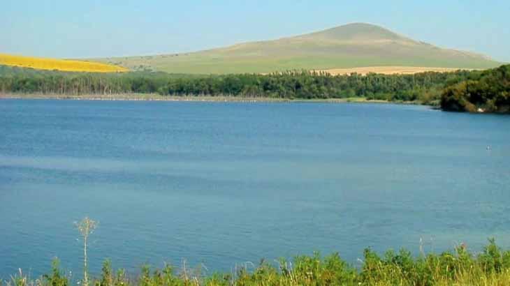 Озеро Тамбукан, как доехать, полезные свойства тамбуканской грязи