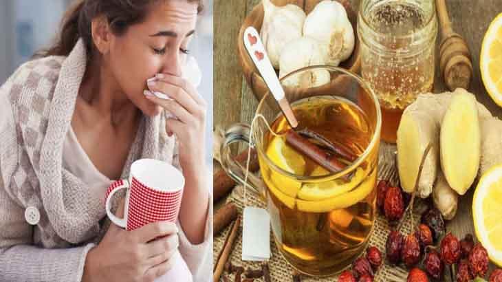 Девушка пьет чай от простуды