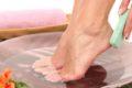 Что делать если болят ступни ног — как избавиться от шпор трещин на пятках и отеков